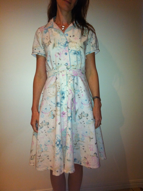 Finished Simplicity 1880 shirt dress with belt