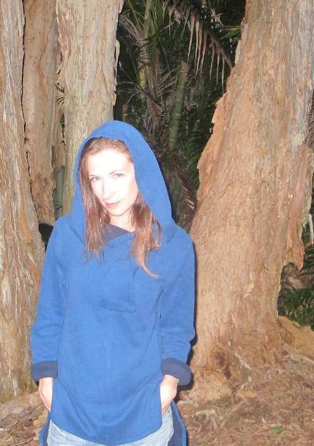 Vogue 8854 hoodie - hood up