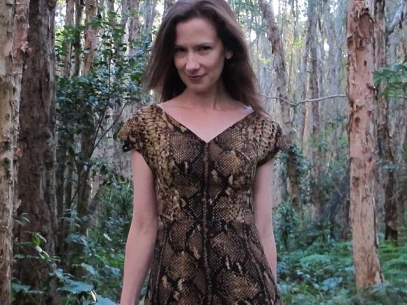 Jungle Anna - a v/slash neckline