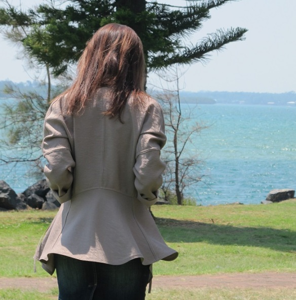 Burda 7401 - how I love the back view of this jacket....