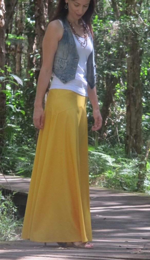 Sewaholic Gabriola Maxi Skirt - side view and seam details