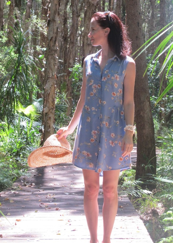 Grainline Alder View B, front view - a bit too short, ok for summer casual though I guess.