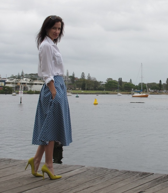 Mood Fabrics, Stretch denim twill. Vogue 9090, sewn by Sew Busy Lizzy
