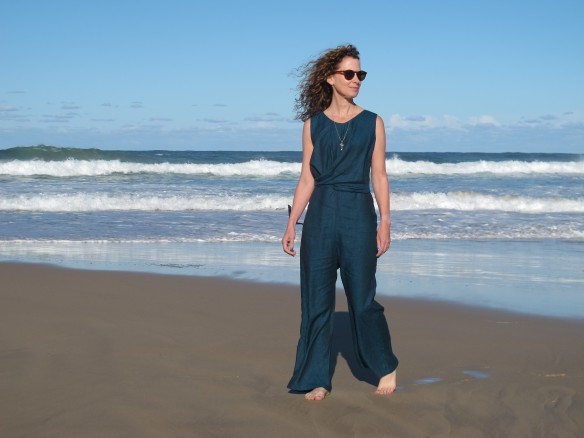 Papercut Mirri Jumpsuit, teal linen from De Linum. Sewn by Sew Busy Lizzy